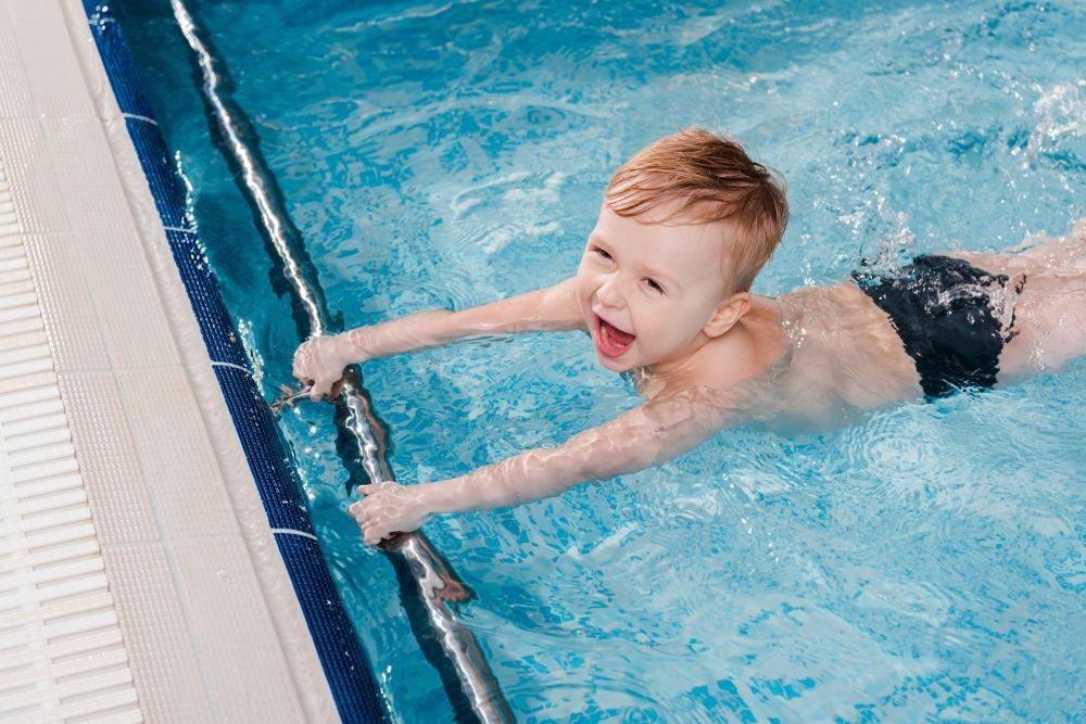 kako plivanje utice na razvoj dece_1677718309