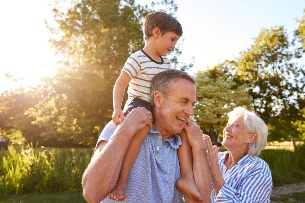 bake i deke koji cuvaju unuke zive duze_1190256433