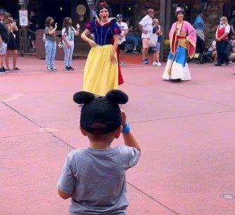 malisa pozdravlja dizni princeze