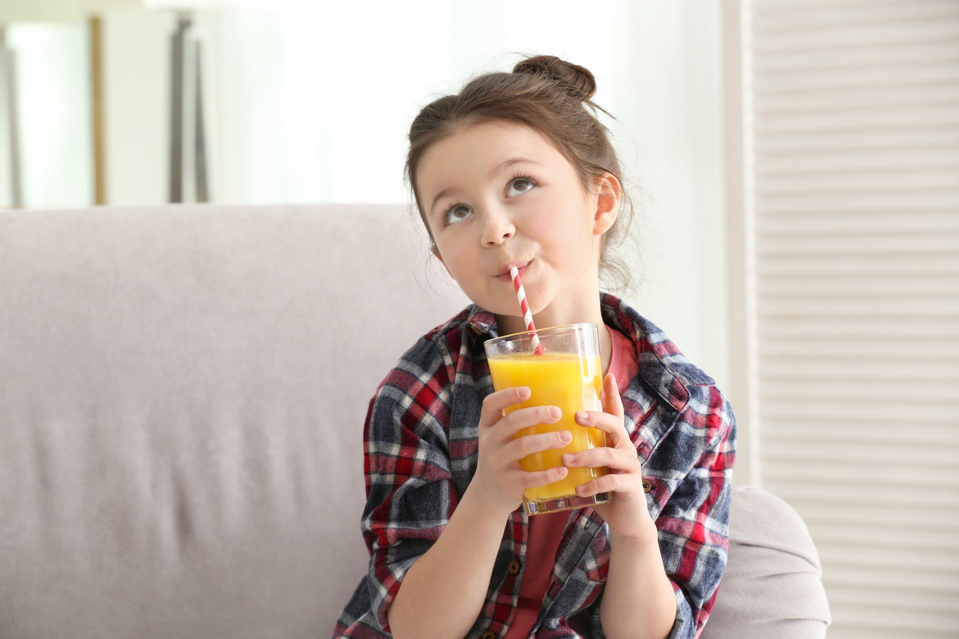 koliko soka treba da pije dete_669924139