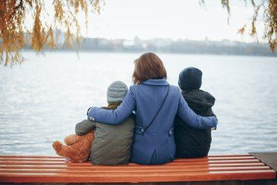 mama usvojila dva decaka sa daunovim sindromom_589587578