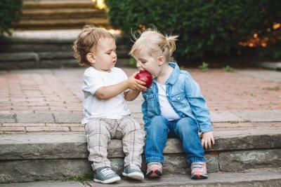 zaljubljenost dece_617915693
